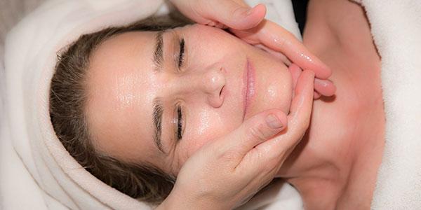 derma vital GmbH für kosmetisch ästhetisch Haut- und Laserbehandlung